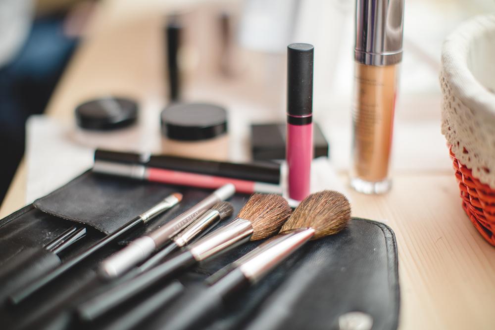 Make - Up Beratung Pinsel und Schminke